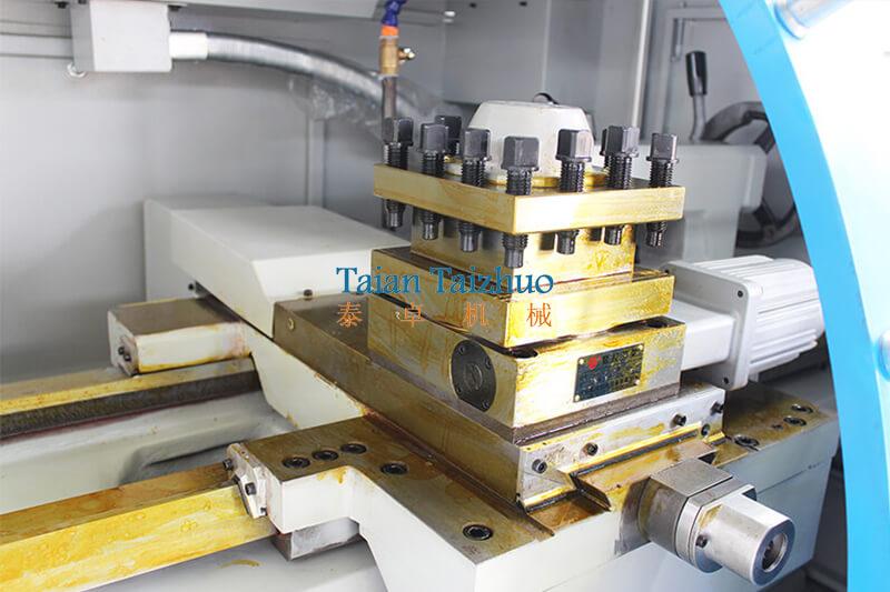 CNC Lathe Machine CK6136 6