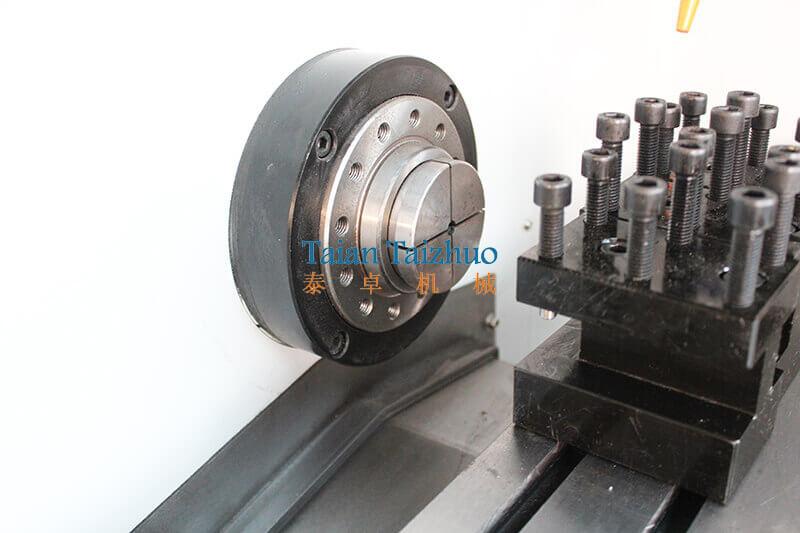 Flat Bed CNC Lathe Machine CK0640 02