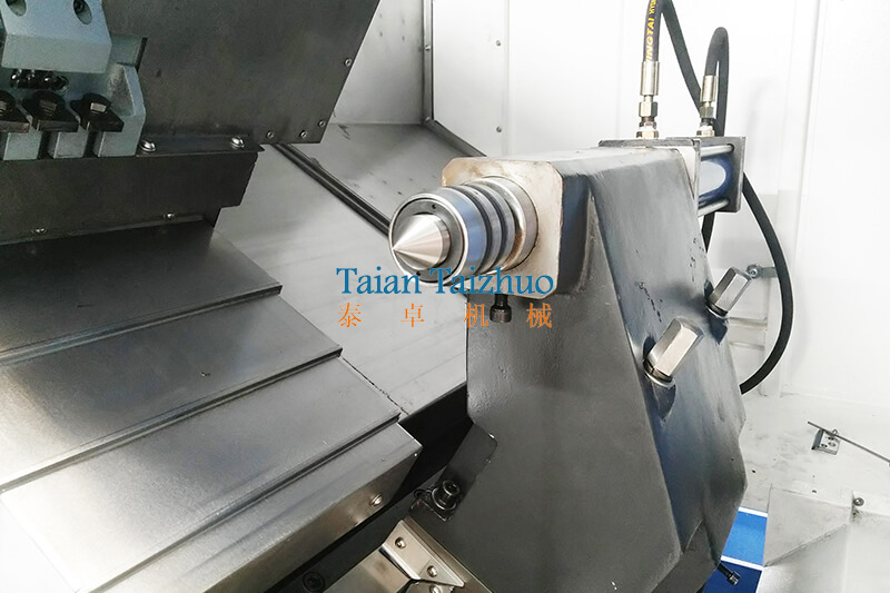 Slant Bed CNC Lathe TCK550 (6)